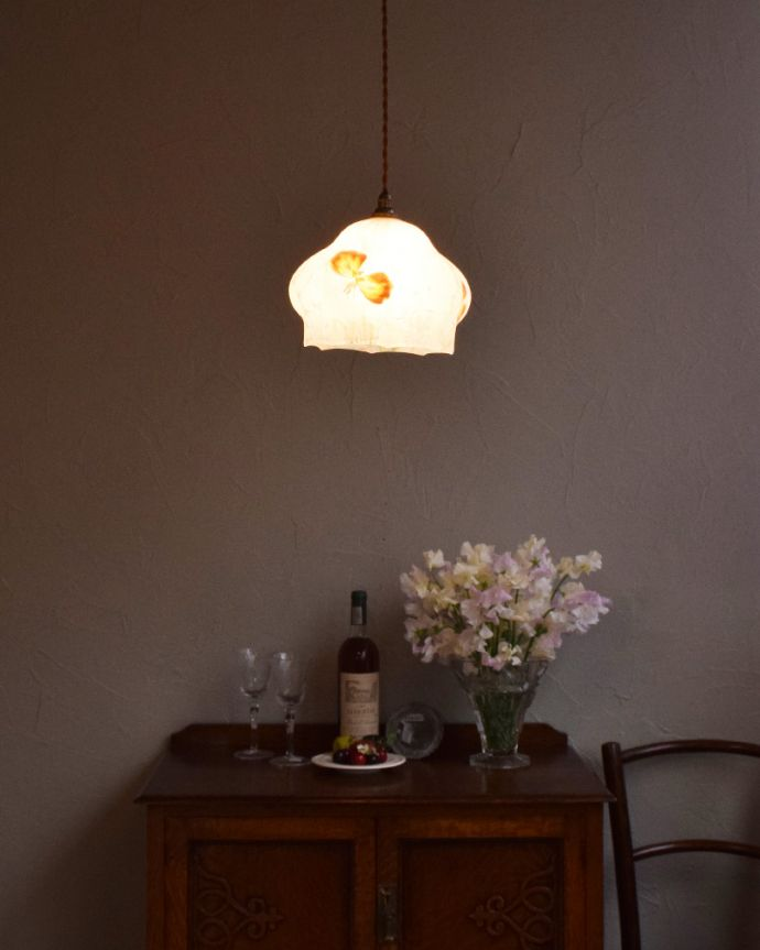 k-1898-z かわいいアンティークのペンダントライト(照明器具)の点灯時