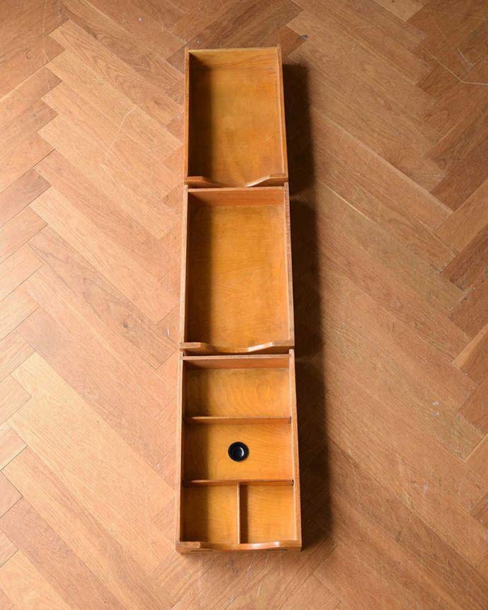 ワードローブ アンティーク家具 とってもめずらしい船旅で使われていたアンティークのコンパクトム。引き出しの中もキレイに修復しました引き出しは手前が1段目。(k-1901-f)