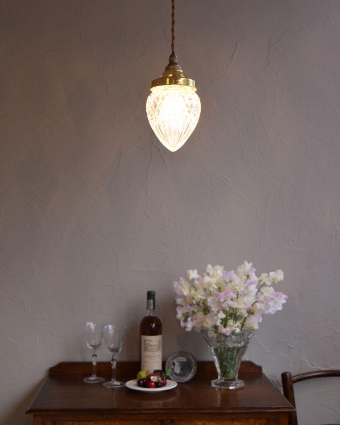 k-1901-z 玄関やトイレにおすすめのアンティークペンダントライト(照明器具)の点灯時