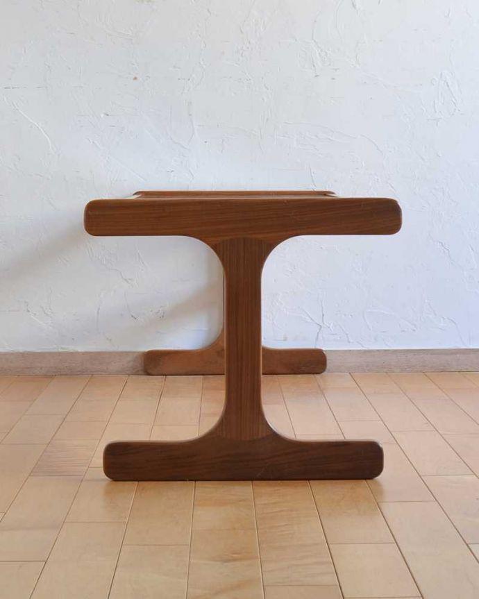 k-1961-f  アンティークオケージョナルテーブルの横