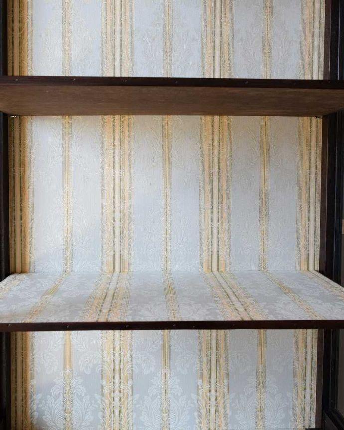 k-1977-f アンティークキャビネットの背板の布