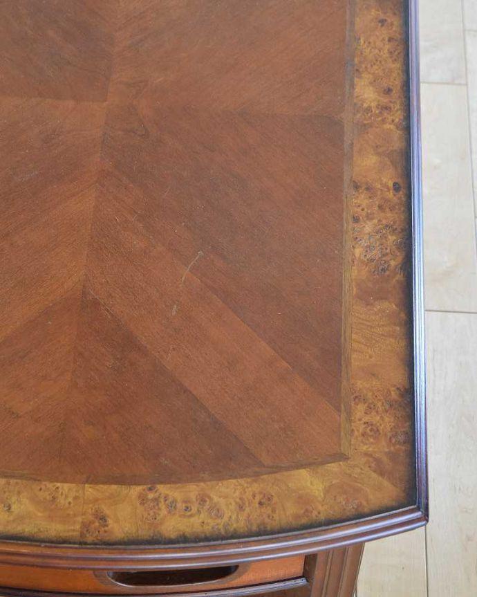 アンティークのテーブル アンティーク家具 英国で出会っためずらしい家具、アンティークの遊べちゃうコーヒーテーブル(フットボールテーブル)。修復には自信があります天板の縁はなかなか手に入れることが出来ない美しい珠杢。(k-1996-f)