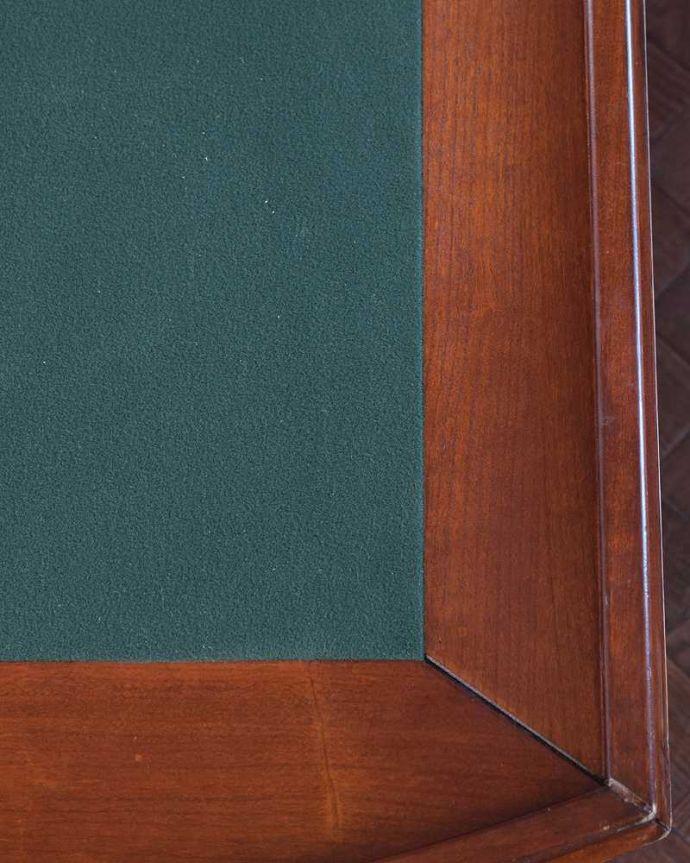 アンティークのテーブル アンティーク家具 英国で出会っためずらしい家具、アンティークの遊べちゃうコーヒーテーブル(フットボールテーブル)。近くで見るとこんな感じ・・・天板の裏もキレイに修復しました。(k-1996-f)