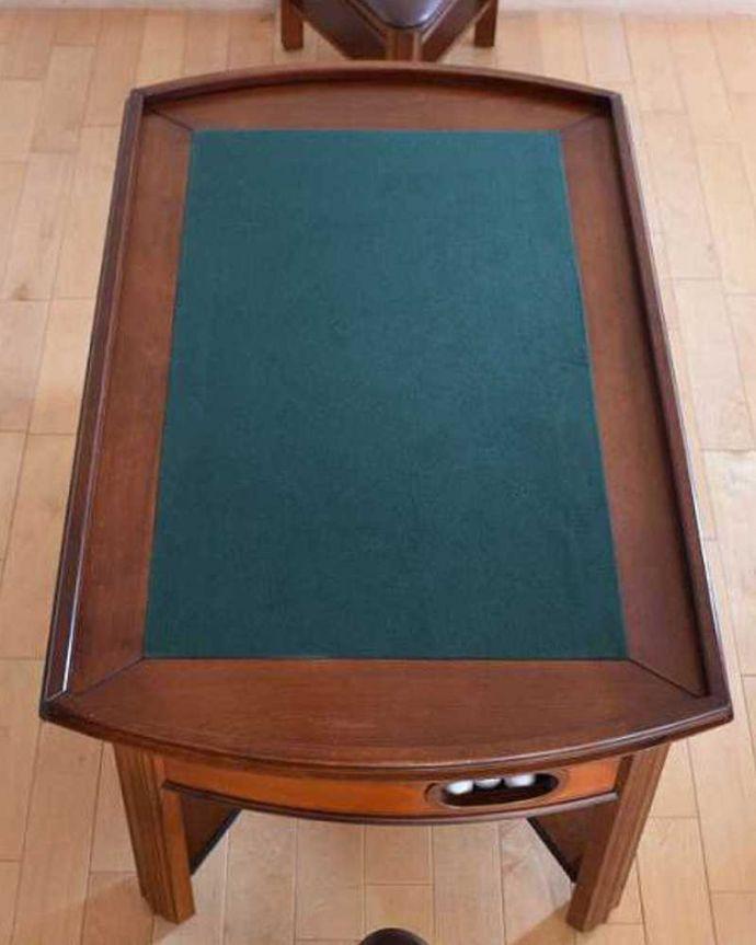 アンティークのテーブル アンティーク家具 英国で出会っためずらしい家具、アンティークの遊べちゃうコーヒーテーブル(フットボールテーブル)。天板をひっくり返すと上に乗ってる天板を返すとグリーンの生地が張られています。(k-1996-f)