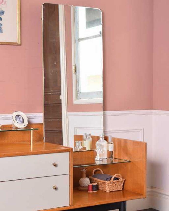 G-PLAN(Gプラン) アンティーク家具 英国ヴィンテージ家具、G-PLANのお洒落なドレッシングチェスト(サニーオーク&チャイニーズホワイト)。ヴィンテージ家具らしいカッコよさやっぱり一番の魅力は、この時代に作られた独特の雰囲気。(k-2131-f)