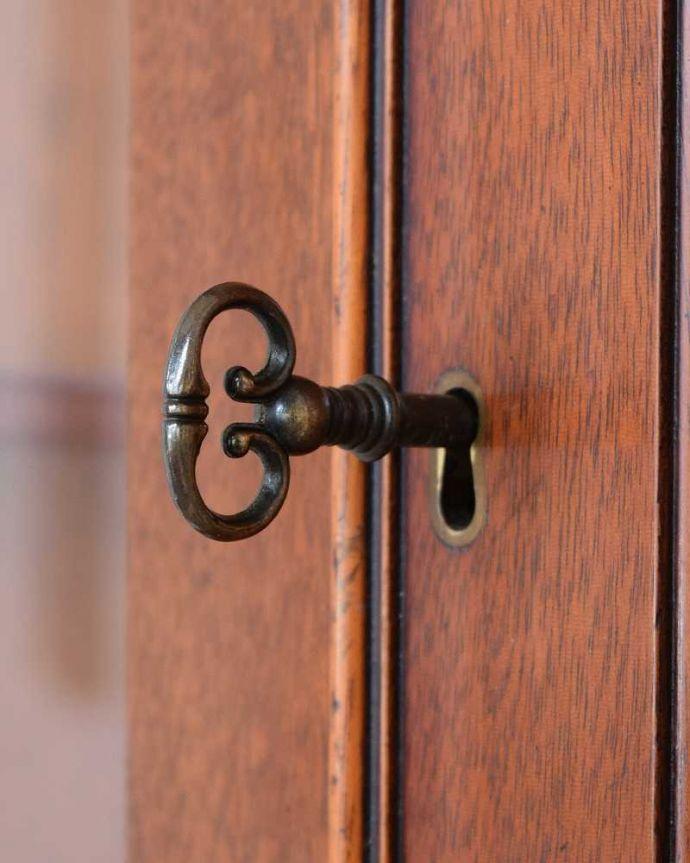 k-2186-f アンティークキャビネットの取っ手・鍵穴