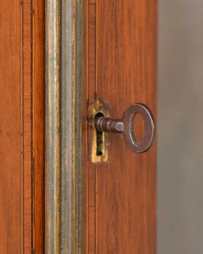 k-2193-f アンティークキャビネットの取っ手・鍵穴