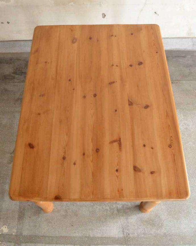 アンティークのテーブル アンティーク家具 イギリスで見つけたアンティークダイニングテーブル、ぬくもりある雰囲気の家具。天板はキレイに修復しました。(k-2213-f)