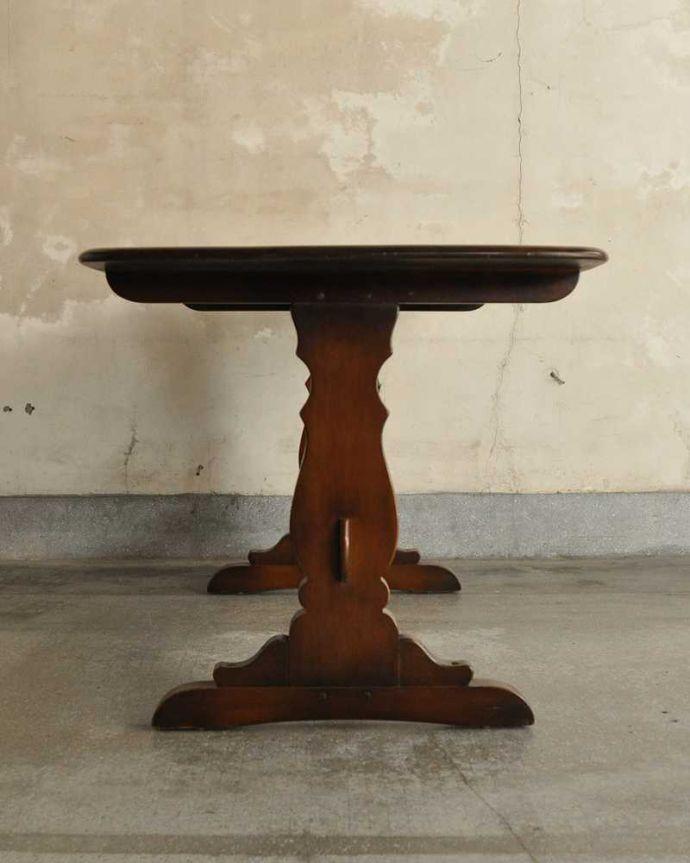 k-2220-f アンティークテーブルの横