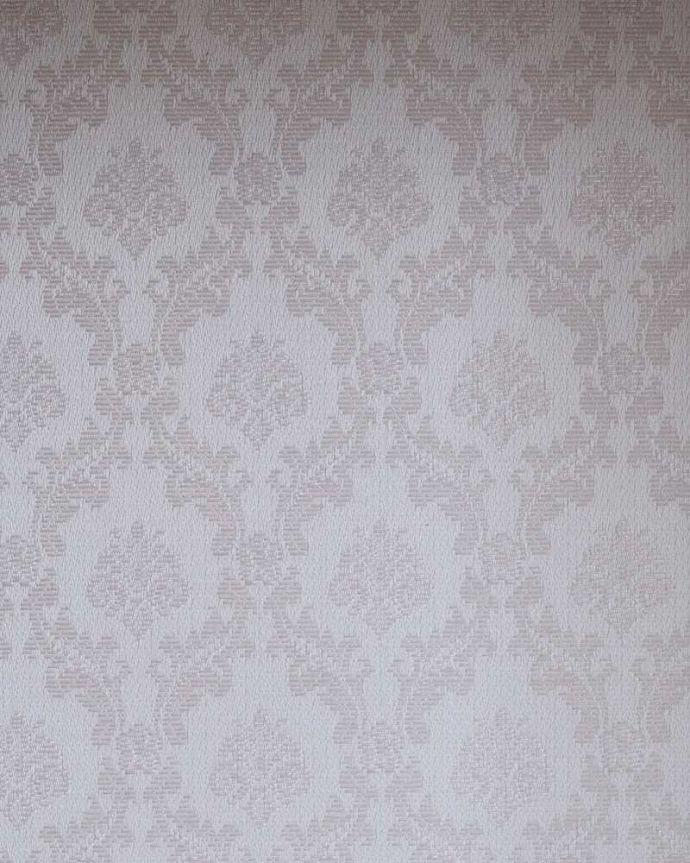 アンティーク家具 繊細な象嵌の装飾が美しい、アンティークパーラーキャビネット。新しく貼り替えました背板の生地は新しいものに貼り替えてあります。(k-2277-f)