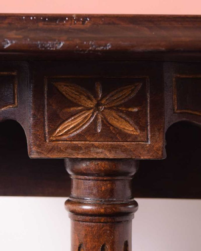 k-2353-f  アンティークオケージョナルテーブルの装飾1