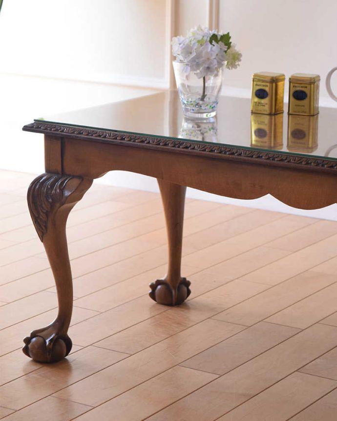 アンティークのテーブル アンティーク家具 クロウ&ボールの脚を持つコーヒーテーブル、英国のアンティーク家具。英国らしいデザインのうつくしさにうっとり・・・脚のデザインだけ見ても、アンティークらしさが感じられるんです。(k-2358-f)