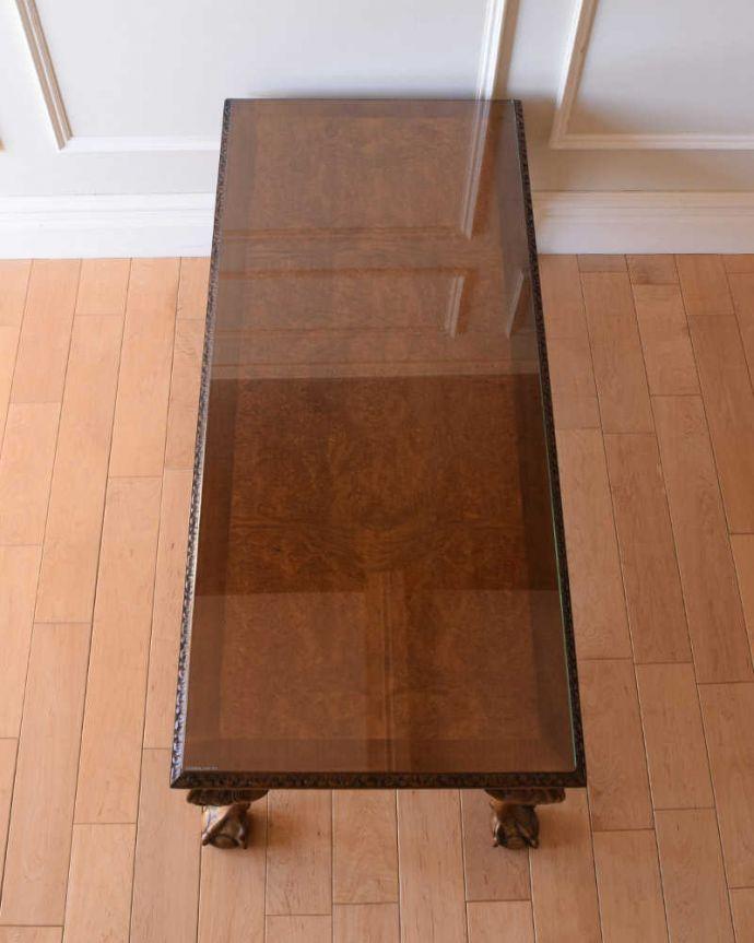 アンティークのテーブル アンティーク家具 クロウ&ボールの脚を持つコーヒーテーブル、英国のアンティーク家具。天板にガラスが乗っています。(k-2358-f)