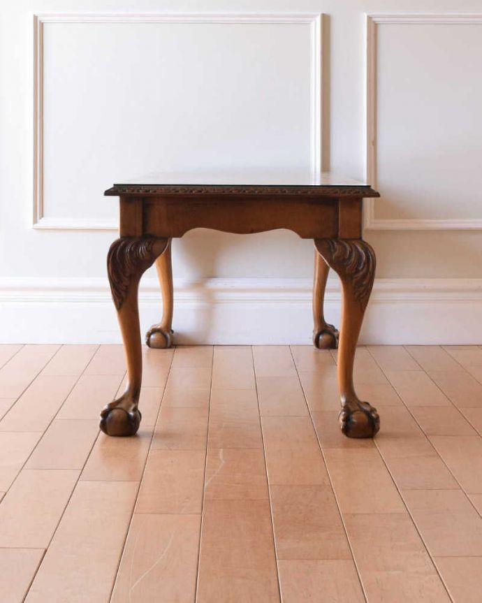 アンティークのテーブル アンティーク家具 クロウ&ボールの脚を持つコーヒーテーブル、英国のアンティーク家具。横から見た姿もステキ横から見るとこんな感じ。(k-2358-f)