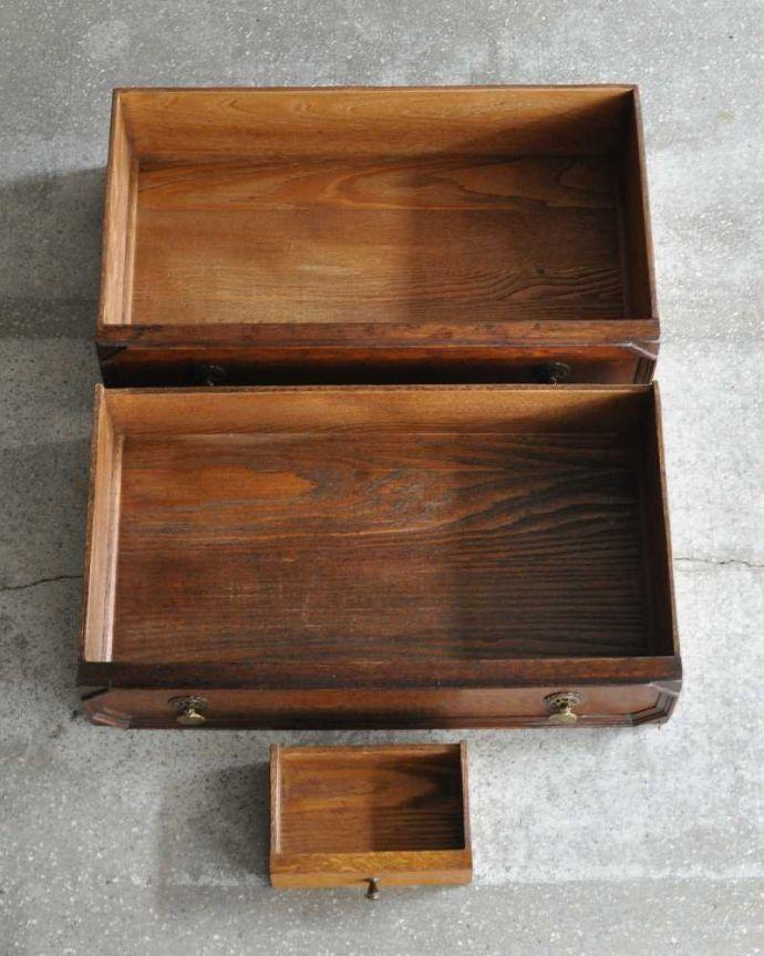アンティーク家具 英国輸入のアンティーク家具、本棚もデスクも付いたアンティークのビューローブックケース。何でも収納できる引き出しもちろん、引き出しの中もキレイに修復しました。(k-2421-f)
