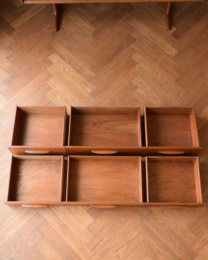 アンティーク家具 Austin Suite社製のヴィンテージ家具、6杯引き出しのサイドボードチェスト。引き出しの中もキレイに修復しました。(k-2554-f)