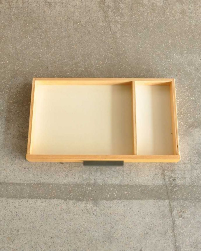 アンティークのキャビネット アンティーク家具 ホームオフィス社のデスクキャビネット、多機能なイギリスのヴィンテージ家具。引き出しの中も!もちろん引き出しの中もキレイにお直ししてあります。(k-2583-f)