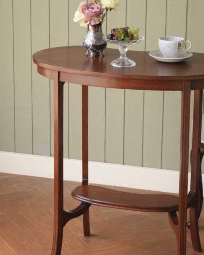 アンティークのテーブル アンティーク家具 オシャレな空間を作るビーンズ型、アンティークのオケージョナルテーブル。上品で優雅なアンティーク凛とした雰囲気が漂うアンティークらしい立ち姿のテーブル。(k-2648-f)