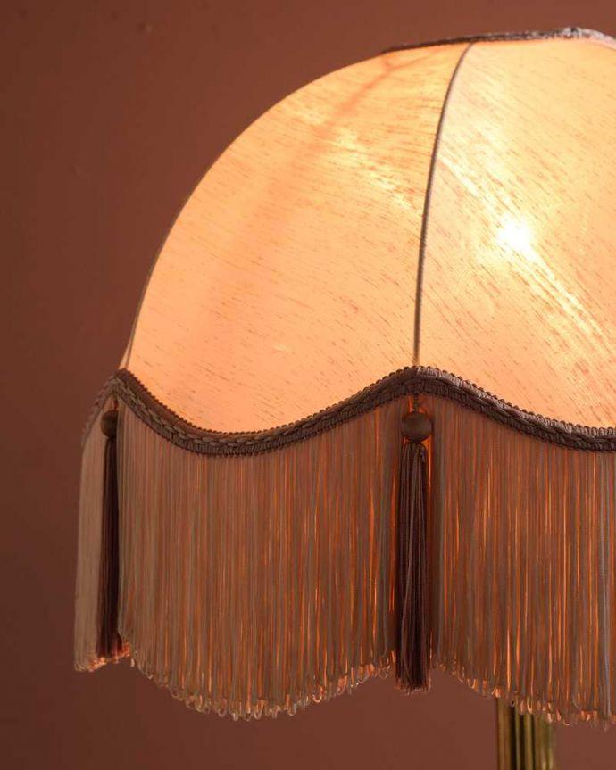 スタンドライト 照明・ライティング イギリスで見つけた真鍮製のアンティークフロアランプ(B22シャンデリア球付)。。(k-2730-f)