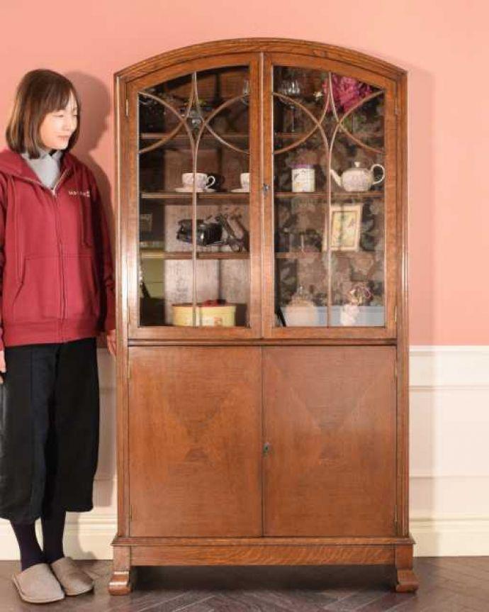 アンティークのキャビネット アンティーク家具 オーク材の重厚なアンティーク家具、英国のブックケース(本棚)。お気に入りの本や雑貨や本を並べてみましょう。(k-2760-f)