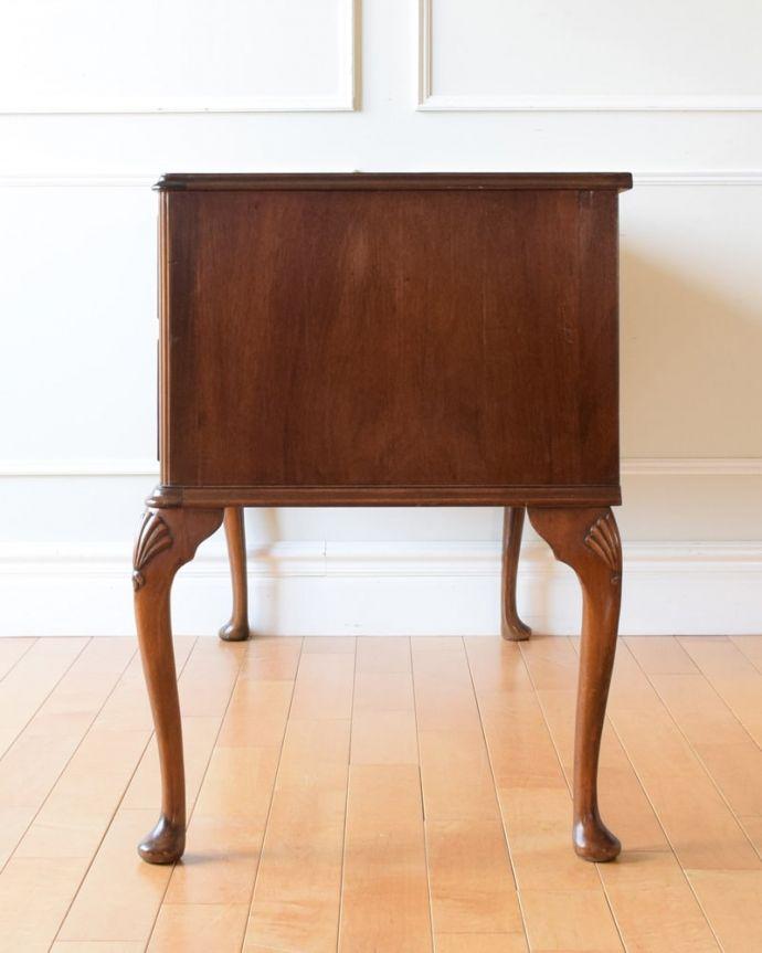 アンティークのデスク・書斎机 アンティーク家具 アンティーク ライティングデスク 横顔も美しいですもちろん横から見られても自信があります。(k-2840-f)