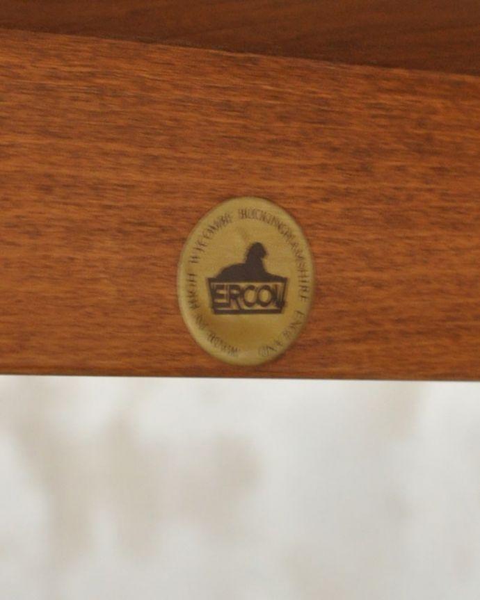 アーコールの家具 アンティーク家具 アーコール社のヴィンテージ家具、お洒落なダイニングテーブル。安心の証1981~1995年代製造のタグシールが残っていました。(k-2853-f)
