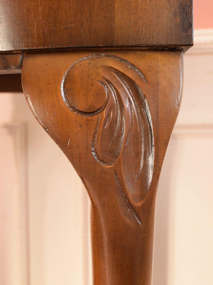 アンティーク家具 アンティーク コーナーテーブル うっとりする美しさアンティークだから手に入る美しい彫。(k-2865-f)