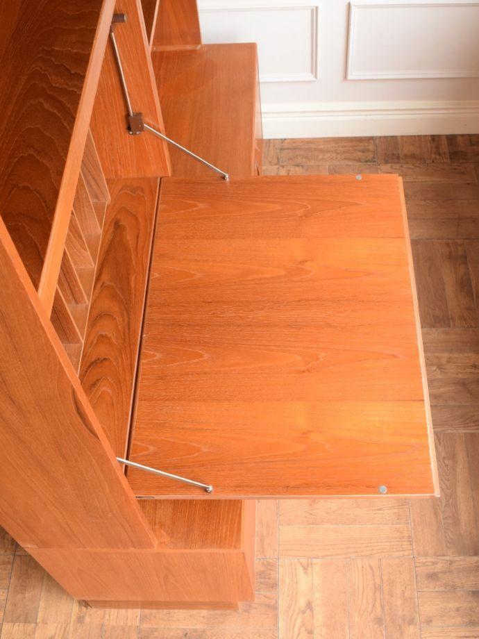 ビューロー アンティーク家具 アンティーク G-planウォールユニット  天板の塗装もキレイに仕上げましたヴィンテージの家具は修復方法が様々。(k-2889-f)
