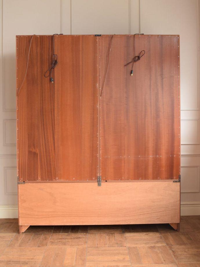ビューロー アンティーク家具 アンティーク G-planウォールユニット  もちろん後ろ姿もキレイですビンテージは新品ではないので、もちろん経年変化によるキズはあります。(k-2889-f)