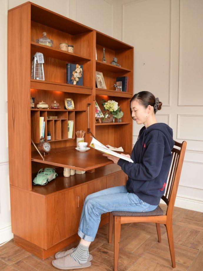 ビューロー アンティーク家具 アンティーク G-planウォールユニット モデル入り(座って) (k-2889-f)