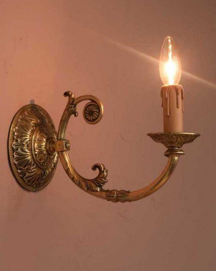 壁付けブラケット 照明・ライティング 真鍮製のアンティークウォールランプ(E17シャンデリア球付)。。(k-3274-z)