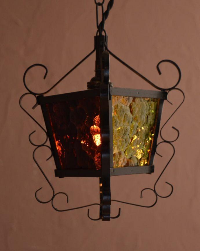 照明・ライティング アンティーク ペンダントライト 毎日を特別な時間に変えてくれるアンティークのシャンデリアフランスらしランタン型が可愛いライト。(k-4186-z)