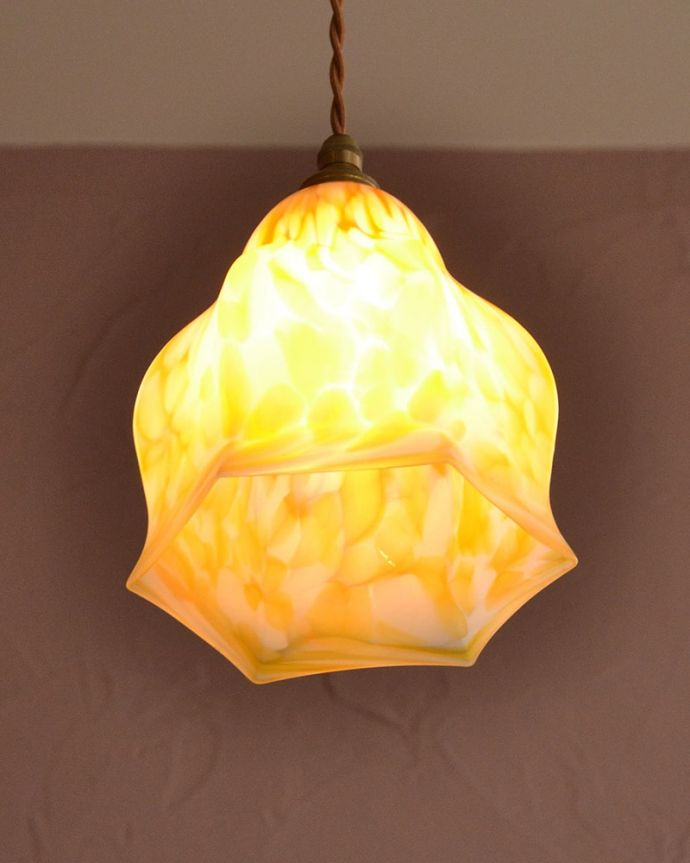 アンティーク照明の美しい灯り