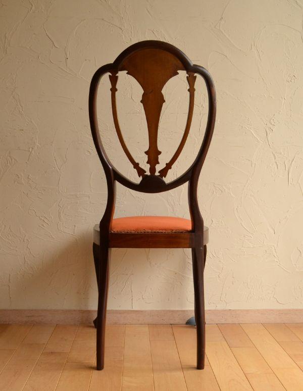 サロンチェア アンティーク チェア マホガニー材のアンティークチェア、美しい背もたれのサイドチェア。アンティークらしく、流行を追わずに長く使えるデザイン。(k-926-c)