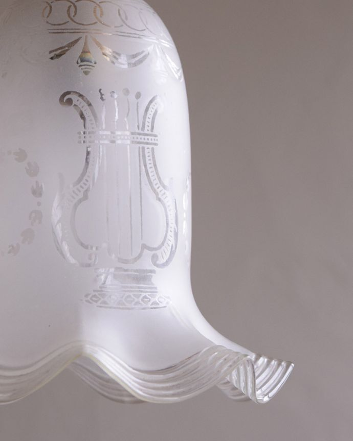 m-1786-z イギリス輸入、アンティークガラスのペンダントライトの消灯