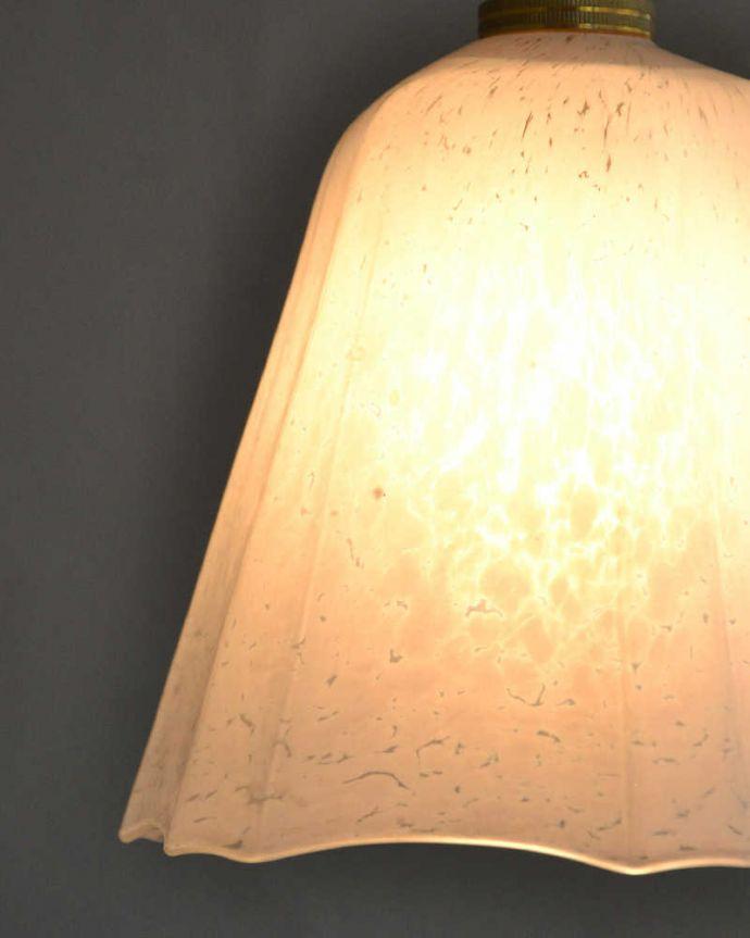 m-2004-z アンティークガラスシェードのアップ点灯時
