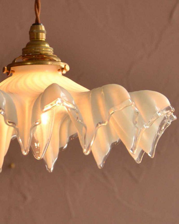 ペンダントライト 照明・ライティング フランス輸入のミルクガラスランプシェード(コード・シャンデリア電球・ギャラリーA付き) 。。(m-3336-z)
