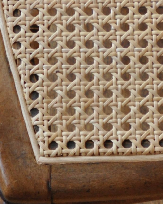 m-392-c アンティーク編み座チェアの編み目