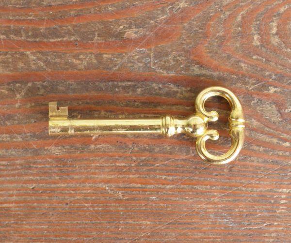 m-424-f アンティークブックケースの鍵