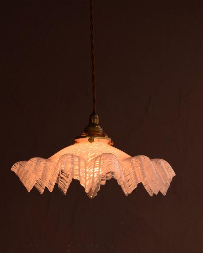 ペンダントライト 照明・ライティング ガラスランプシェード お部屋のアクセサリーに使って欲しいアンティーク照明器具の中で気軽に使いやすいペンダントライト。(m-4275-z)