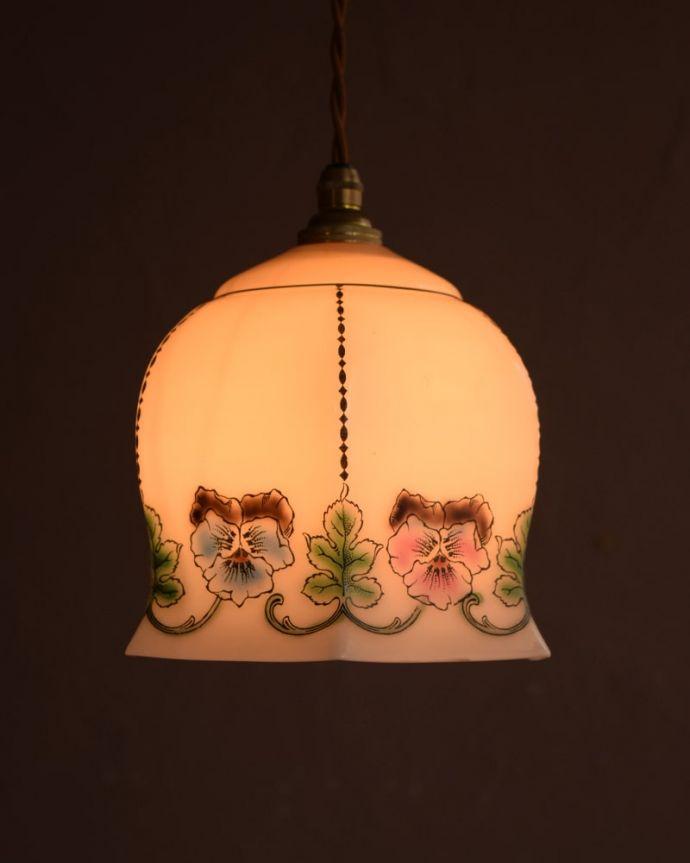 ペンダントライト 照明・ライティング ガラスランプシェード お部屋のアクセサリーに使って欲しいアンティーク照明器具の中で気軽に使いやすいペンダントライト。(m-4282-z)