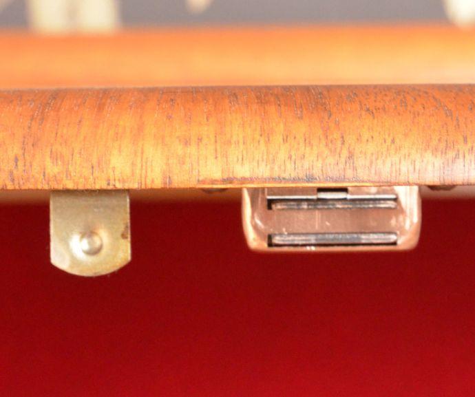 m-555-f アンティークガラスキャビネットのマグネット