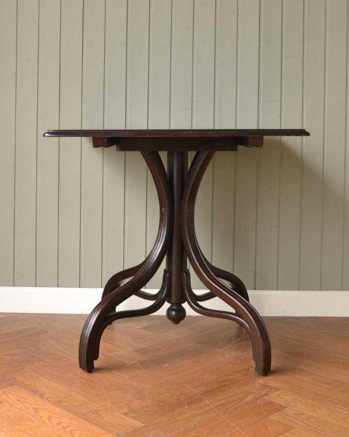 アンティークのテーブル アンティーク家具 THONET トーネットのアンティークカフェテーブル。クルッと回転。(m-632-f)