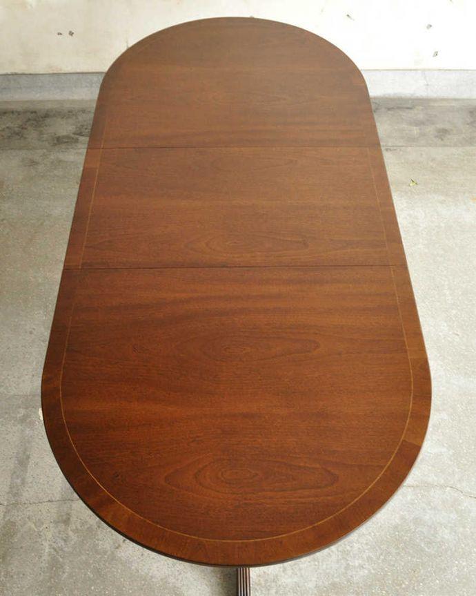 アンティークのテーブル アンティーク家具 美しい脚が特徴的なアンティークの英国家具、伸張式のダイニングテーブル。天板もピカピカにお直ししました。(m-641-f)