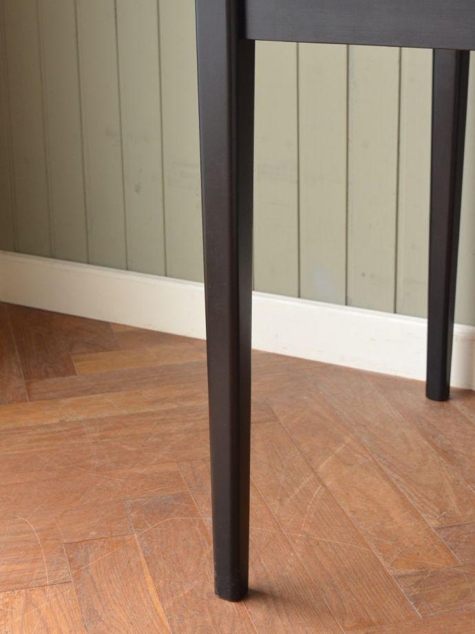ビンテージテーブルの脚