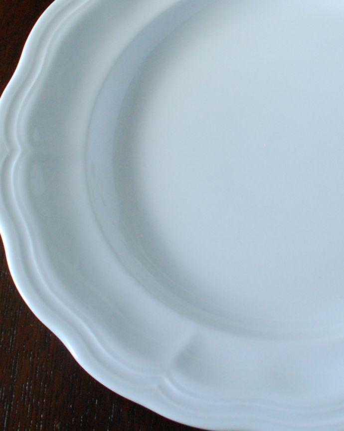 ダイニング雑貨 インテリア雑貨 クィーンアン・プレート(290MM)。白いお皿なので、何を盛り付けても、とっても上品になります。(n1-006)