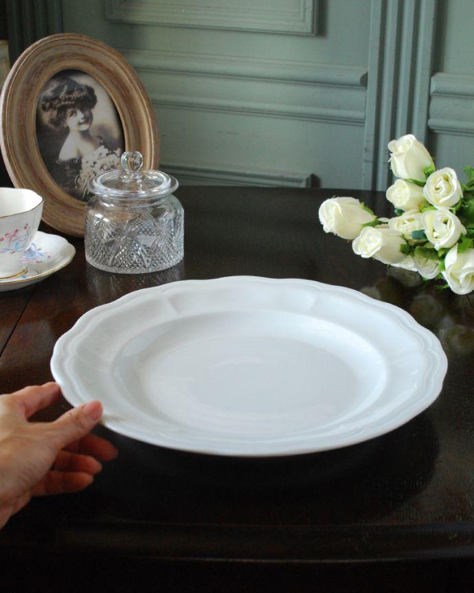 ダイニング雑貨 インテリア雑貨 クィーンアン・プレート(290MM)。お菓子を出すときなど、なにかと便利な大皿です。(n1-006)