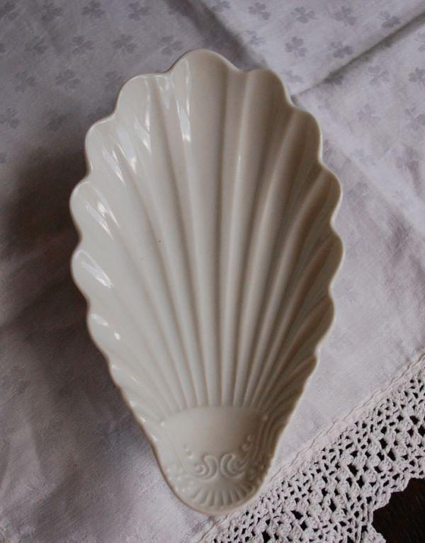 n1-141 陶器製のコンポート(F・シェル)の上から