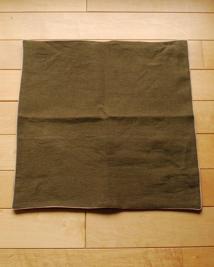 n10-022 リネンのクッションカバーの全体