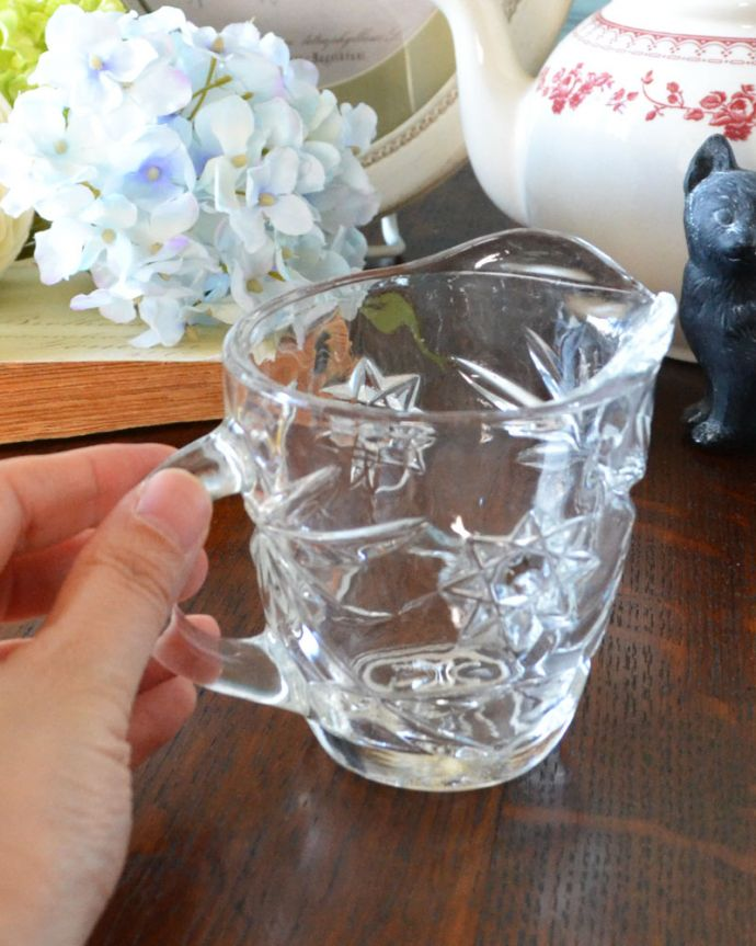 pg-3559 アンティークプレスドグラス(ミルクポット)の手入り